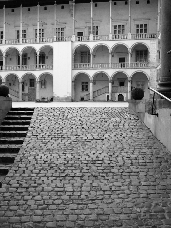 Arcaded Courtyard Wawel Castle - Photo by Miss FD